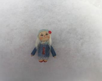 Primitive doll brooch,doll brooch,textile doll brooch,cloth doll brooch,miniature doll brooch