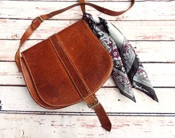 Vintage Saddle Bag - Vintage Cartridge Bag - Tan Leather bag - Leather Messenger Bag - 70s Vintage Bag - Boho Leather Bag