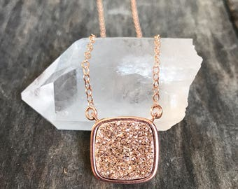 Rose Gold Druzy Necklace, Drusy Necklace, Druzy Quartz Jewelry, Gemstone Necklace, Layered Necklace, Raw Stone Necklace, Rose Gold necklace