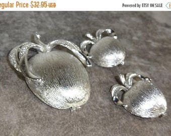 25% Off Vintage Sarah Coventry ADAM'S DELIGHT From 1961 Textured Apple Brooch and Texured Apple Earrings Silver Plated Free Shipping