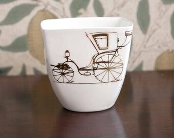 White Porcelain Yogurt Pot with Gold Carriage, Ceramic Mug, Handmade Juice Mug
