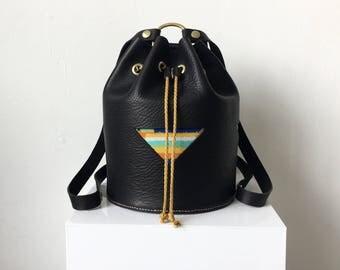 Dreamer Bucket Backpack Midi in Black