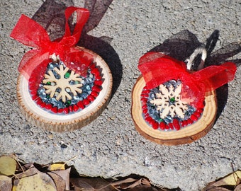 Pair of Mosaic snowflake gift tags and tree ornaments, personalize for Christmas, rustic holiday decor, mosaic tree decorations