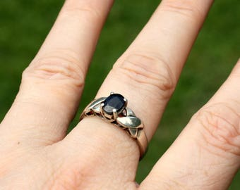 Vintage Sapphire Ring - September Birthstone Ring - Sterling Silver Ring - Blue Gemstone Ring - Sapphire Solitaire - 5th Anniversary