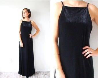 40% OFF CHRISTMAS in JULY Vintage black velvet maxi evening dress // christmas dress gown // halter dress gown // little black dress // back