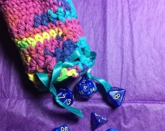 Ready to ship rainbow colors Crochet dicebag with 7 piece gaming dice set blue