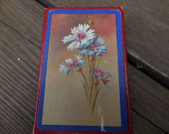 Vintage 1960s to 1970s Single Deck of Cards Arrco Playing Card Co.  Made in USA Used Nouvelle Flowers Dianthus Pink/Blue