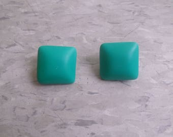 vintage clip on earrings silvertone turquoise lucite
