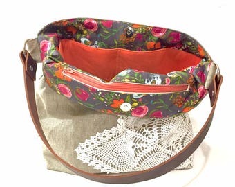 Ready to Ship - Natural Linen Hobo Bag with Vintage Doily