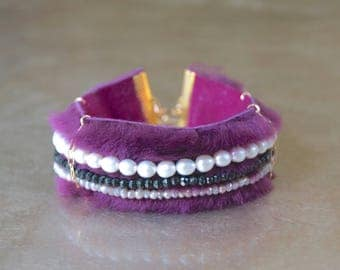 Fur cuff bracelet with gemstones and freshwater pearl