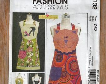 "Adorable Apron Pattern - Customizable - Plus Size 8-22 Bust 31.5-44"" Waist 24-37"" - Sewing Pattern McCall's 6132 UNCUT"
