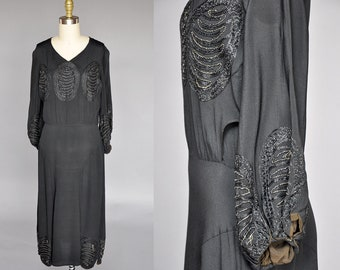 vintage 20s dress | 1920s black dress | balloon sleeves, embroidery detail S