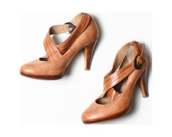 E. Tan Brown Leather Crossover Strap Court Shoes UK 5 US 7.5 EU 38