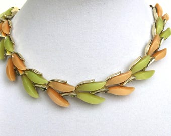 Vintage Thermoset Necklace