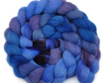 Hand dyed roving - Jacob Wool / Nylon 80/20% spinning fiber - 5.0 ounces - Sending Shivers 1