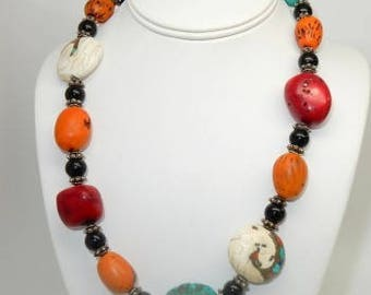Natural stones accent this beautiful necklace