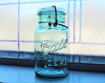Blue Ball Ideal Mason Jar Quart Vintage 1923 to 1933 Glass Lid