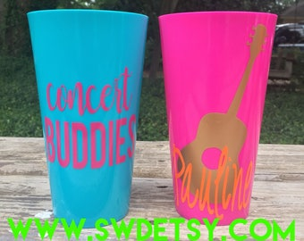 Concert Cups / Bachelorette Party Tumblers / Vacation Cups / Customizable Plastic Party Cups / Bridesmaids / Girls Trip / Music Festival Cup
