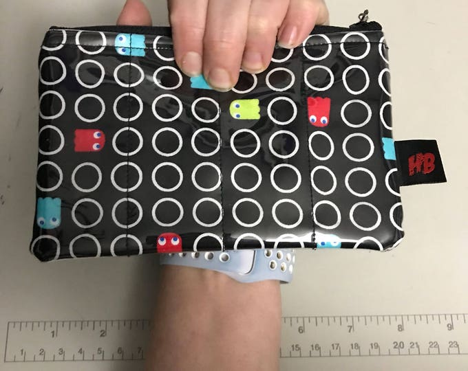 Zippered Pouch - Retro Pacman gamer coin purse/change purse