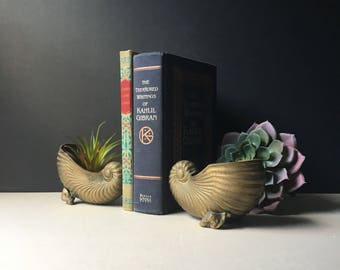 Brass Seashell Bookends, Mid Century Book Ends, Sea Shell, Beach House, Sea Side Cottage Beach House, Hollywood Regency. Nautical, Conch
