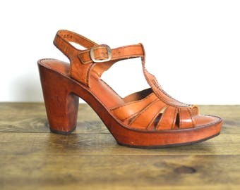 9 / Vintage Gorgeous Cherry Wood Heel - Cognac Leather Woven Sandals Brazil Narrow
