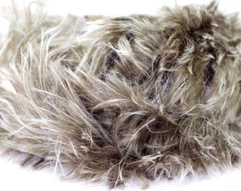SALE 30% OFF 50g/1.76oz Koala Faux Fur Bulky yarn by Lanas Stop #722 (Dark Beige)