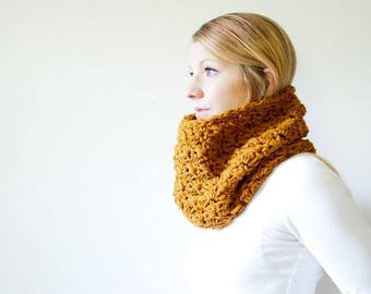 FLASH SALE the MALLORY - Semi chunky Cowl Neckwarmer Scarf - amber - Wool Blend