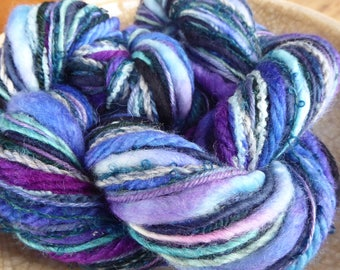 Hope Jacare - Creative textiles Fab felting hand dyed and hand spun wool yarns - 95g - FFY60