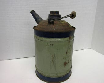 vintage automotive,kerosene,gas oil can.FREE DOMESTIC SHIP spout with cap and lid attached.wood handle.white gas,garage,car guys, primatives