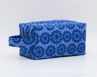 Indigo Flowers Quilted Cosmetic Bag with Handle, Boxy Pouch; Blue; Boxy Bag; Make-Up Bag; Travel Bag; First Aid Kit; Shave Bag