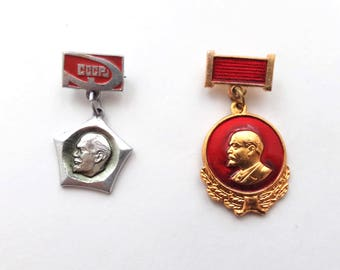 Vladimir Lenin dangling pins, Soviet Union metal pin badge, Vintage Russian memorabilia 1970s, communism propaganda USSR red flag