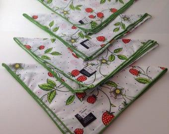 vintage NOS cloth napkin set of 4 from Hudson's, strawberries