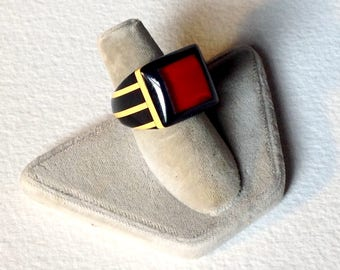 Vintage 30s 40s bakelite celluloid folk art prison ring