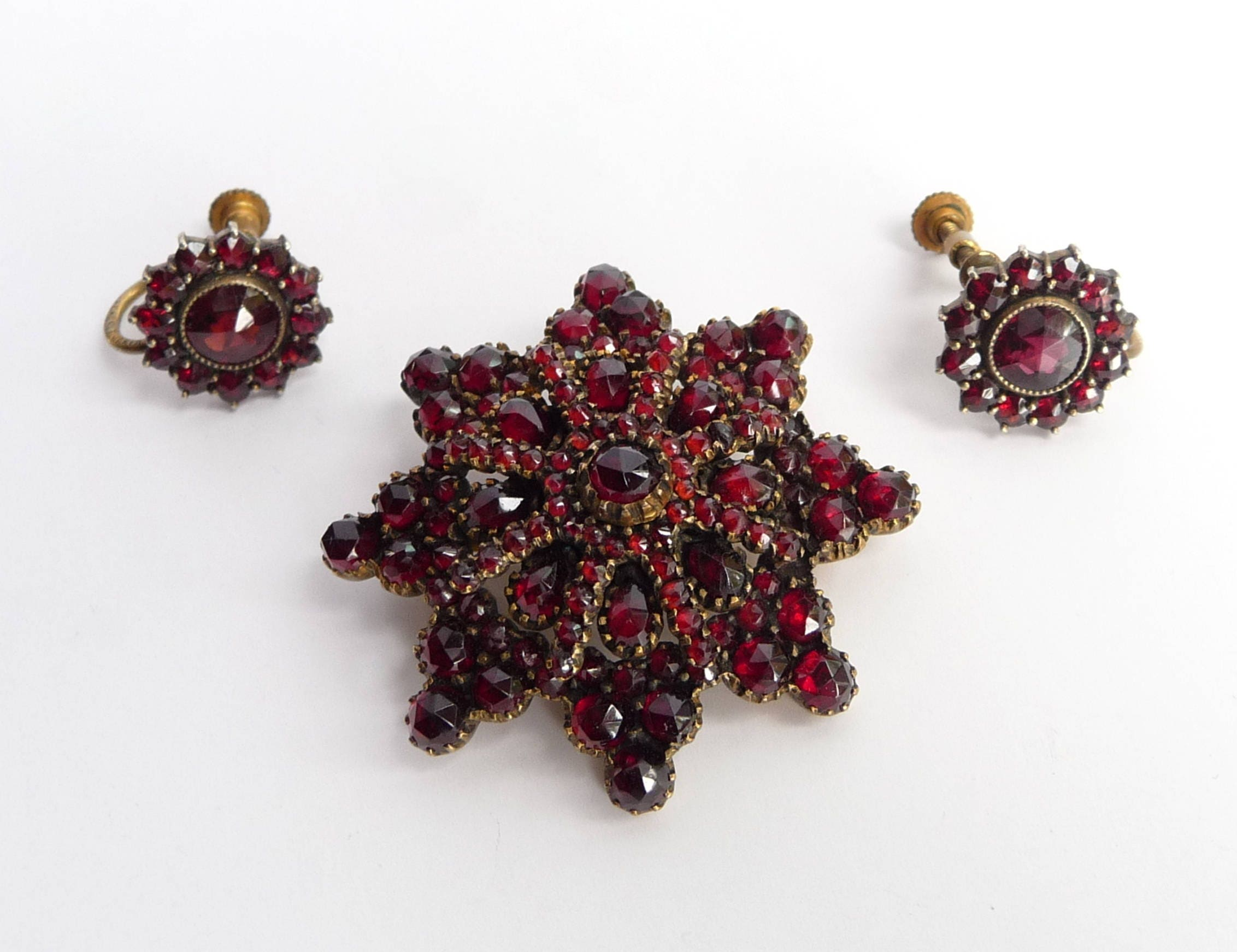czech bohemian garnet brooch pin and earrings gold gilt with