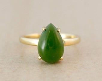 FLASH SALE Emerald Green Jade Ring - 10kt Gold - Engagement Ring - Classic Prong Setting