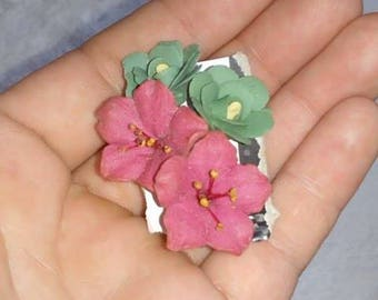 2 pairs of Vintage Floral Earrings