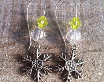 Snowflakes earrings large silvery green anise 3 clasps