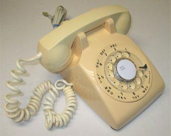Retro ITT Model 500 Beige Rotary Dial Telephone Dated May 1979