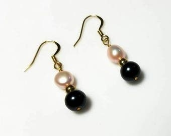 black pearl pink freshwater pearl earrings hypoallergenic earrings nickel free earrings drop earrings dangle earrings beaded jewelry