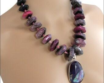 Collier Pierres de gemmes Noir/Rose/Violet/Turquoise - Agate / Collier sautoir femme, pierres fines noires/roses