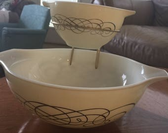 Pyrex Golden Scroll Chip Dip Bowls VGC