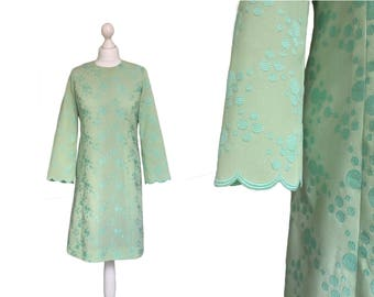 Green Vintage Dress - 1960s' Dress - 60's Dress - Crepe Dress - Scallop Sleeve Dress