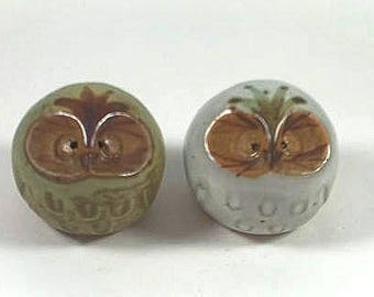 Vintage Owl Salt and Pepper Shakers Glazed Pottery - Cute Little Birds!