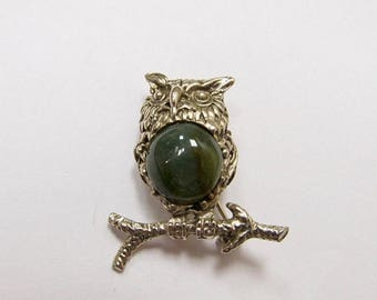 ON SALE Vintage Owl Pin with Stone Body Item K # 674