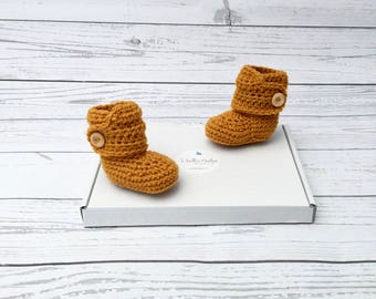 baby booties | crib shoes | crochet booties | baby announcement | newborn shoes