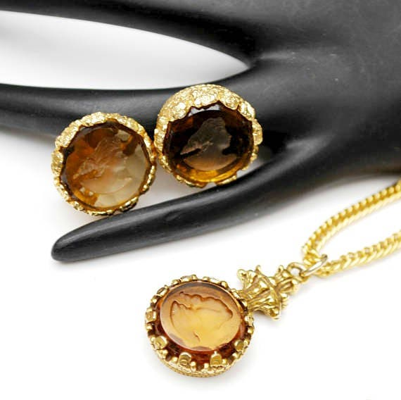 intaglio cameo necklace earring set  - reversed Carved  - topaz brown glass - Champagne rhinestones - Gold plated - unsigned Goldette