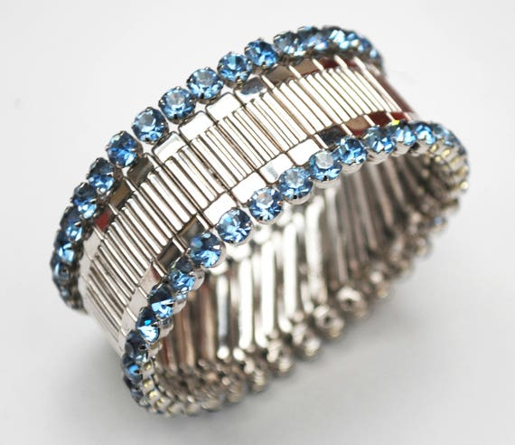 Blue rhinestone Expansion Bracelet - Signed Harwood - Silver metal expandable - Light blue crystal - Stretch Bangle