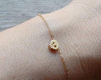 Tiny skull bracelet, Small skull bracelet, Skull bracelet, Chain skull bracelet, Gold skull on gold filled chain
