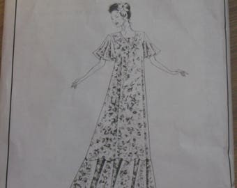1994 Victoria Jones Collection # 102 Womans Muumuu Pattern. Long Maxi dress, Hawaiian dress, Sizes Small to XX Large