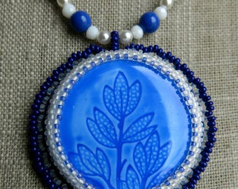 "Embroidered necklace ""leaves"""